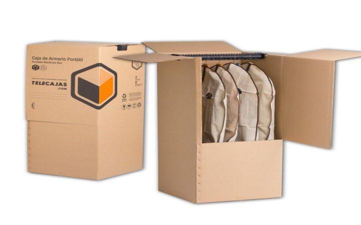 In thùng carton đựng quần áo tại quận 5